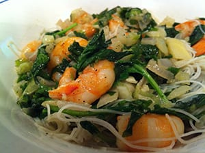 shrimp-stir-fry-with-brown-rice-noodles