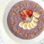 Smoothie Bowl: Berry Almond Bliss