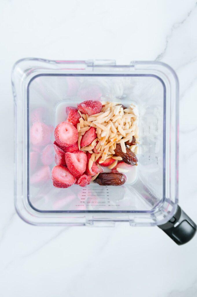 How to Make a Vegan Strawberry Milkshake