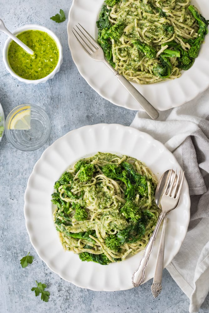 parsley-pea pesto pasta