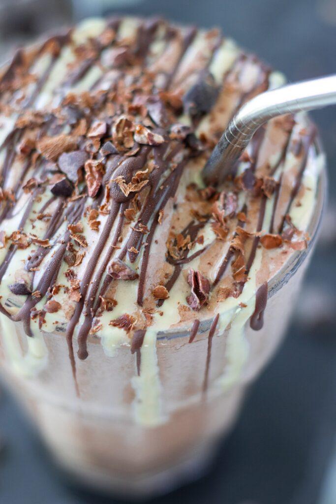 vegan tahini date cocoa smoothie