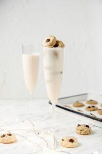 Vegan Cookies & Milk