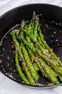 One-Skillet Garlic Asparagus
