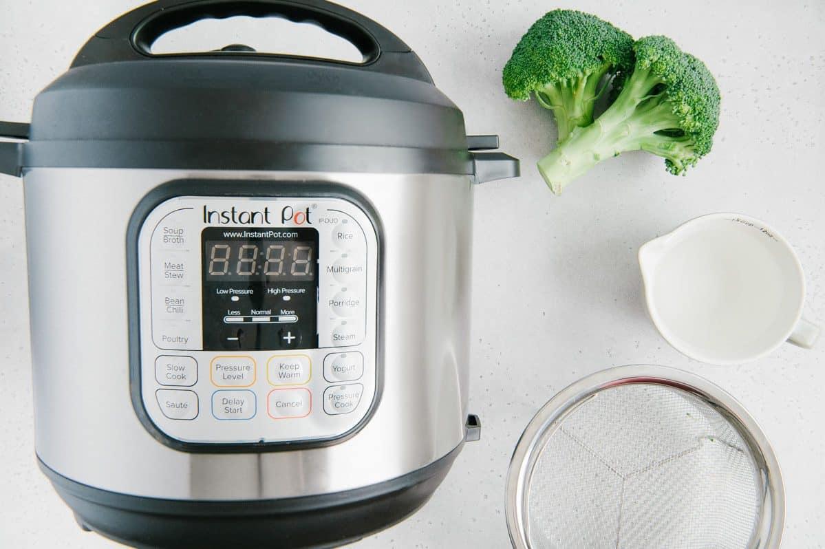 Instant Pot Steamed Broccoli