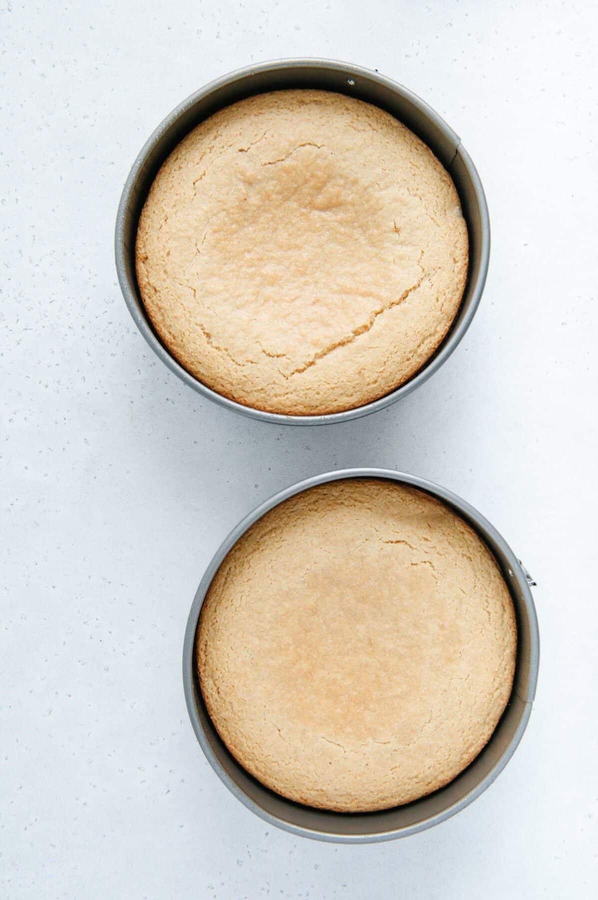 Vanilla Cake in Pans