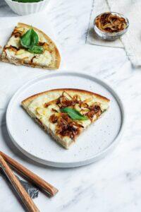 Easy Homemade Vegan Pizza