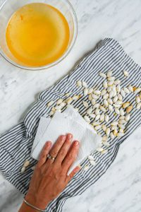 How to Remove Pumpkin Seeds